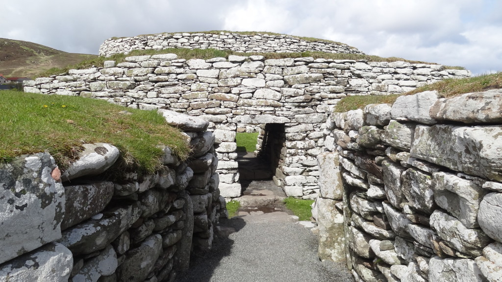 entrance to the main chambre of the Broch of Clickimin