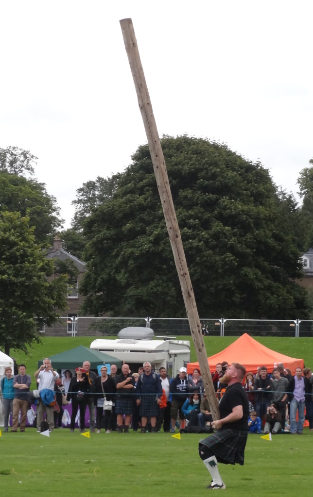 Scotsman ready to toss the caber