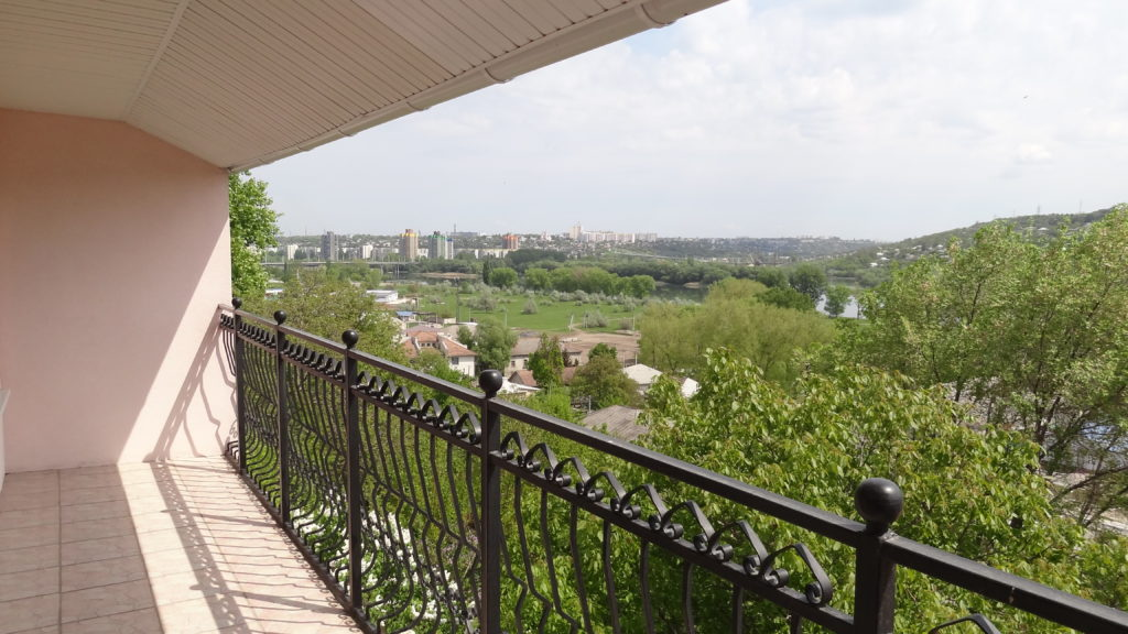 Lovely balcony and view of Ribnita